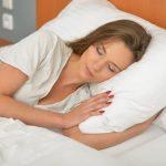 寝ながら視力回復? オルソケラトロジーの特徴やメリットデメリットなど。